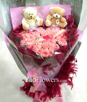 28 Pink roses,a pair of bear,hearted-shape package