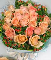 20 Champagne roses