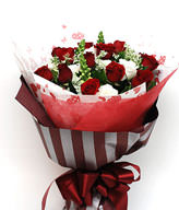 12 Red roses,White of platycodon grandiflorum,green leaves