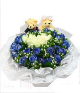 11 White Roses,22 Blue Roses,Green Leaves