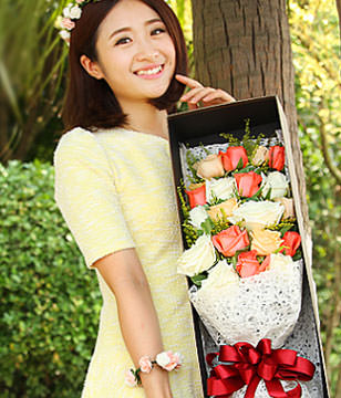 19 Mix-Color Roses with gift box