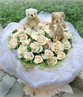 20 New-snow roses and 2 bears