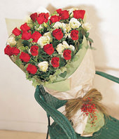 20 Roses with Top class