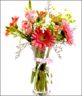 Pink rose 4, pink color flameray gerbera 4,Vase Included