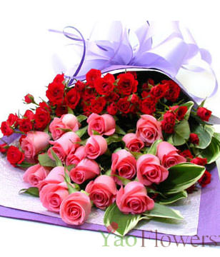 Mixed Roses Bouquet,Red roses 15, Pink roses 18, few green leaves