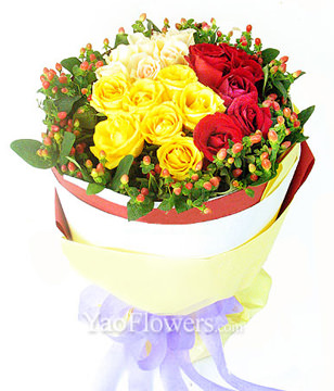 7 yellow roses, 7 champagne roses, 7 red roses
