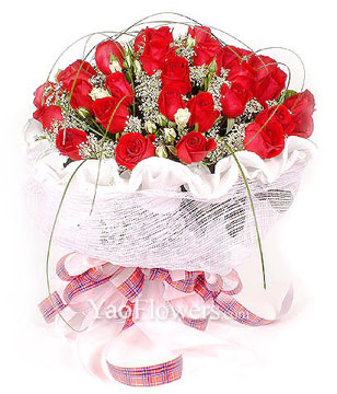 33 long-stemmed red roses