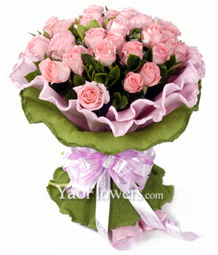 33 Pink roses with rich Gardenia leaves