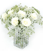 11 White(light yellow) roses