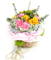18 pink carnations,15 yellow gerbera