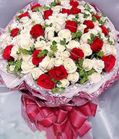 22 Red Rose, 77 White Roses