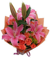 19 pink roses with 2 pink lilies around
