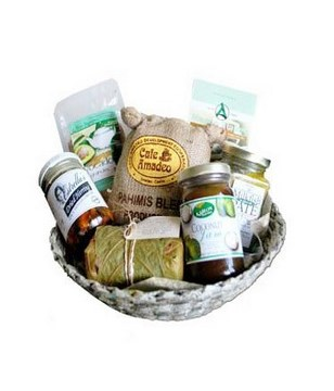 Organic basket with pate, ginger lime tea, dried herring, gourmet coffee and more
