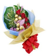 Bouquet of 6pcs Ferrero Rocher With 6 Red Roses