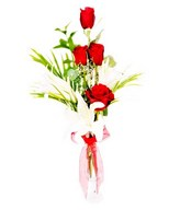 Bouquet of 4 Red Roses & While Lily
