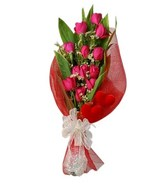 Bouquet of 12 Pink Roses in red netting